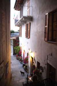 cortile visto dall alto bed and breakfast Contrada lunga abbadia lariana lakecomo