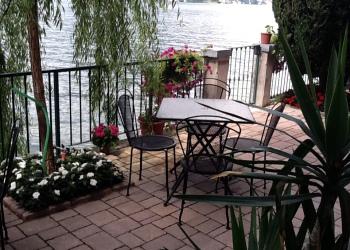 B&b Nest on the Lake